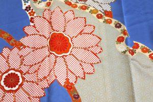 雪輪取り菊文の振袖 着物