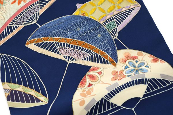 傘文の刺繍の名古屋帯