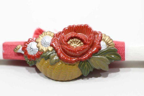 牡丹と菊の花かごの帯留